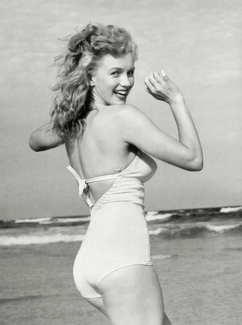 http://www.robzor.com/rhouse/Marilyn_M.jpg